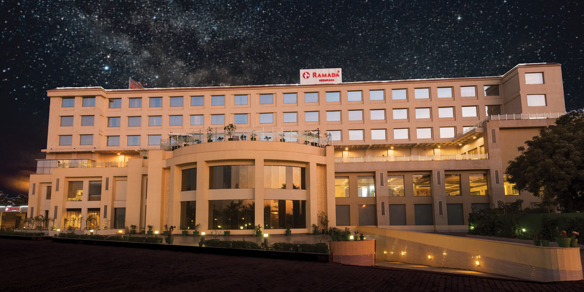 Business-Hotel-in-Neemrana-Ramada-Neemrana